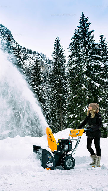 бензиновый снегоуборщик фото